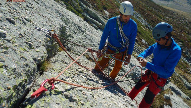 Curso escalada clásica – Reunión con cuerda