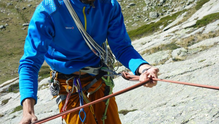 Curso escalada clásica – Rapel con dinámico