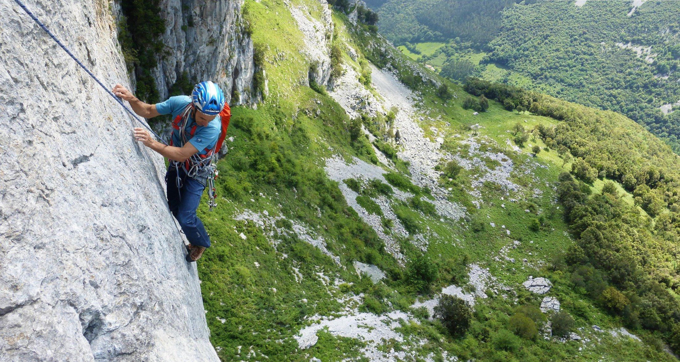 Escalada en roca gu as picos for Roca de guia