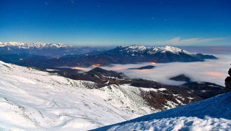 Actividades nocturnas trekking raquetas de nieve alpinismo esqui de montaña