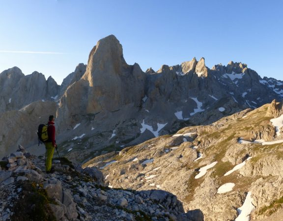 Group trekking rate in Picos de Europa